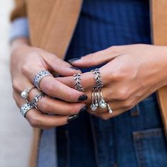 theofficialpandora - Italian blogger @veronicaferraro is rocking a cool 70's outfit with denim, navy blue, brown and a cool ring style. #PANDORAring