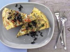 Eier und mediterranes Gemüse vereinen sich im provenzalischen Gemüse-Omelett zu einer vitamin- und eiweißreichen Hauptmahlzeit