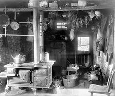 This rare shot shows what the interior of one nineteenth-century summer kitchen looked like built in the Primitive Kitchen, Old Kitchen, Vintage Kitchen, Vintage Cooking, Kitchen Stuff, Rustic Kitchen, Kitchen Ideas, Kitchen Designs, Victorian Interiors