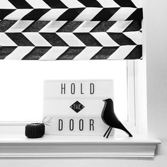 Instagram @grayglow | Game of Thrones | Scandinavian style | Home decor | Black and white | Nordic decor inspiration | Heidi Swapp light box | Monochrome | Minimalist decor | Hodor