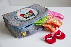 Precious Felt Suitcase - Free Pattern and Picture Tutorial (in German use Google Translate, works great!)