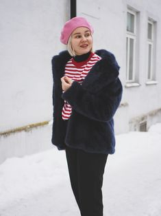 fashion statement; winter outfit; minimal outfit; minimal winter outfit; minimalist fashion; minimal fashion; minimalist outfit; Scandinavian fashion; Scandinavian style; striped shirt; faux fur coat; faux fur outfit; beret outfit