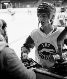 A very very young Wayne Gretzky | Soo Greyhounds