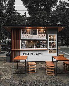 Coffee shop bar, coffee shop design и small coffee shop. Cafe Shop Design, Kiosk Design, Cafe Interior Design, Home Interior, Small Cafe Design, Scandinavian Interior, Classic Interior, Apartment Interior, Design Design
