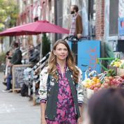 The too cute Sutton Foster on set in Brooklyn, New York. From the creator of Sex and The City, 'Younger' stars Sutton Foster, Hilary Duff, Debi Mazar, Miriam Shor and Nico Tortorella. Click to discover full episodes.