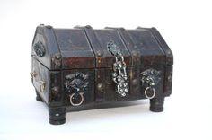 Treasure Chest Jewelry Box / Vintage Wood Lion by Globalfindings