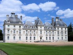 I lived part of my childhood side of this castle, in a region filled with Renaissance chateau, a walk through history!