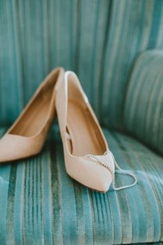 Classic wedding shoes for bride - cream-colored wedding shoes {Tiffany Reid & Co.}