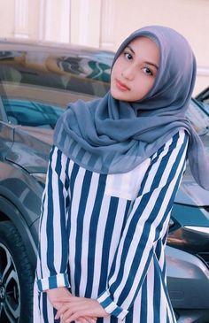 Ideas cats beautiful photography faces for 2019 Beautiful Hijab Girl, Beautiful Muslim Women, Gorgeous Women, Girl Hijab, Hijab Outfit, Moslem, Muslim Beauty, Indonesian Girls, Muslim Girls
