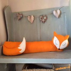 Felt Fox Draught Excluder by Florenceandthefox on Etsy. Sewing Toys, Baby Sewing, Sewing Crafts, Sewing Projects, Diy Projects, Door Draught Stopper, Draft Stopper, Door Stopper, Crafts To Make