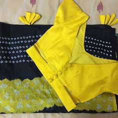 Blouse Design Catalogue For Best Fancy design Blouse Design - Fashion Blouse Designs Catalogue, Simple Blouse Designs, Saree Blouse Neck Designs, Stylish Blouse Design, Shagun Blouse Designs, Latest Blouse Designs, V Neck Blouse, Designer Blouse Patterns, The North Face