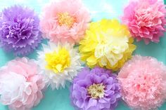 """Pretty thing you can make with familiar 【flower paper】 ♪"" Pom Pom Flowers, Paper Flowers Wedding, Tissue Paper Flowers, Fabric Flowers, Flower Paper, Art And Craft Flowers, Flower Crafts, Flower Art, Cake Smash Backdrop"