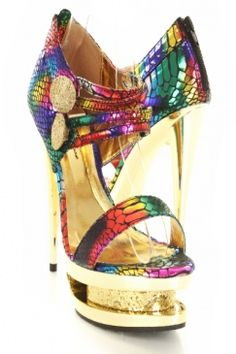 I am sure there is drag queen with these shoes! ;)
