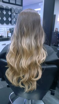 Grown out balayage with a fresh haircut, long hair with layers and highlights, blonde and natural ash base.