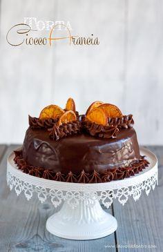 Ispirata da due grandi pasticceri, poco più di un mese fa ho realizzato questa torta. Presa da ricette a tema festività Natalizie, ne avevo rimandato la pubblicazione sul blog ed era finita nel mio archivio. Poi, qualche giorno fa, sul blog della mia amica Gabilaleggo di una bella raccolta che …