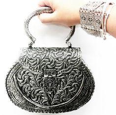 Clucth Metal Indiana - bolsa - festa - prata - prateada