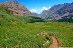 Descending West Maroon Pass toward Maroon Lake on Colorado's Four Pass Loop. Photo: Eric Lee