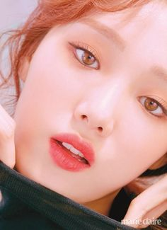 Lee Sung Kyung looks gorgeous in the September issue of Marie Claire, modeling different lip colors from Laneige. Korean Actresses, Asian Actors, Korean Actors, Actors & Actresses, Lee Sung Kyung Photoshoot, Lee Sung Kyung Makeup, Korean Photoshoot, Star Platinum, Sung Hyun