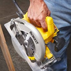 Choosing a circular saw: How Does It Feel - Circular Saw Review: What are the Best Circular Saws? Get the guide: http://www.familyhandyman.comtools/circular-saws/circular-saw-review-what-are-the-best-circular-saws
