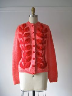 vintage sweater / hand knit cardigan