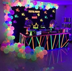 Neon Birthday, 13th Birthday Parties, Birthday Party For Teens, Sleepover Party, Birthday Party Decorations, Birthday Ideas, Neon Decorations, 16th Birthday, Spa Party