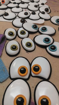 Great puppet eyes!