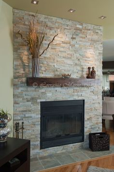Stone fireplace simple, modern and light colored Fireplace Feature Wall, Family Room Fireplace, Fireplace Remodel, Fireplace Mantle, Fireplace Design, Fireplace Ideas, Fireplace Fronts, Reface Fireplace, Slate Fireplace
