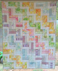 rail fence quilt Quilting Projects, Quilting Designs, Sewing Projects, Quilting Ideas, Quilt Design, Strip Quilts, Quilt Blocks, Rail Fence Quilt, Chevron Quilt