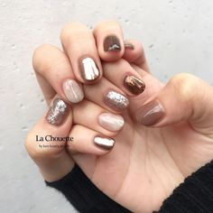 画像に含まれている可能性があるもの:1人以上、クローズアップ Fabulous Nails, Salons, Nail Designs, Skin Care, Hair Beauty, Night Makeup, Nail Inspo, Claws, Health And Beauty