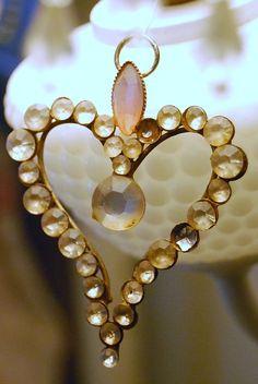 Really Creative Valentine's Day Ideas I Love Heart, Key To My Heart, Happy Heart, Heart Art, My Funny Valentine, Valentine Heart, Creative Valentines Day Ideas, Creative Ideas, Diy Jewelry