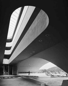 Ezra Stoller • Marin County Civic Center, Frank Lloyd Wright