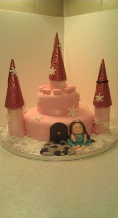 Princess castle  Cake by Kerrysoccasionalcake