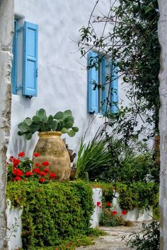 The Courtyard - Mykonos, Greece