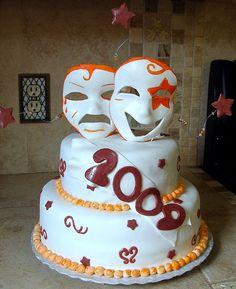 tragedy comedy graduation cake! A theatre graduation cake so gonna be mine!
