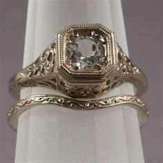 antique ring, I just WISH I could find something this beautiful.