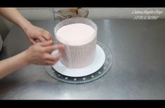 She Puts A Sheet Of Bubble Wrap Around A Cake. What She Makes Is Extremely Stunning