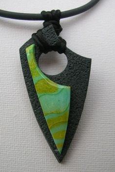 polymère pendentif vert noir texture nuance forme originale