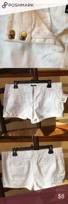 ✉️ Land N Sea White Shorts Get ready for spring! Snag these white shorts that are perfect with a pair of cute heels. NWT. Never worn. Size 12. Short shorts. 97% Cotton, 3% Spandex. Shorts