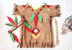 Un costume d'Indien Pour jouer aux cowboys et aux indiens, Ritalechat nous propose une tunique d'Indienne ou petit Indien !Retrouvez aussi le blog Ritalechat sur sa page Hellocoton.