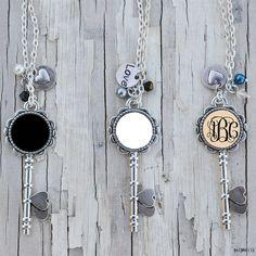 Skeleton Key Monogrammed Enamel Initial Disc Pendant Necklaces - Buy Initial Disc Pendant Necklace,Enamel Key Pendant Necklaces,Tiny Initial Pendant Necklace Product on Alibaba.com