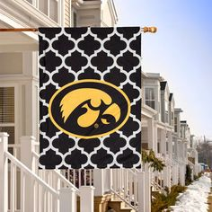 "Iowa Hawkeyes Double-Sided 28"" x 40"" Quatrefoil Fashion House Flag"