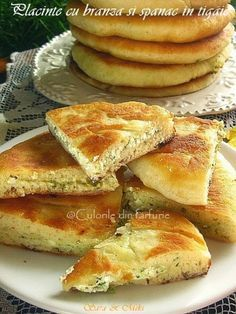 » Placinte cu branza si spanac in tigaie Romanian Food, Romanian Recipes, Cooking Recipes, Healthy Recipes, Pastry And Bakery, Food Cakes, Food Videos, Vegan Vegetarian, Cake Recipes