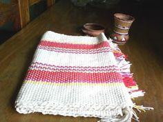 Uurarum - Tejidos Artesanales: caminos de mesa Types Of Weaving, Crochet Top, Women, Fashion, Color Accents, Knitted Throws, Tapestry Weaving, Mesas De Luz, Table Runners