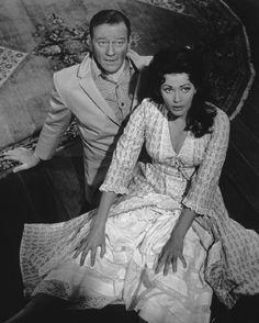 Still of John Wayne and Yvonne De Carlo in McLintock! (1963)