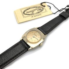 A brand new watch, old stock, unworn, in the original box. Made by Lucien Piccard under the Dufonte name, this classic manual movement ladies wrist watch da. Vintage Watches For Men, Luxury Watches For Men, Lucien Piccard, Mens Watches Leather, Jewels, Lady, Accessories, Earthy, 1930s