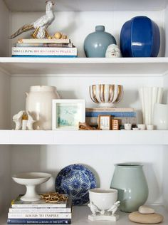 ciao! newport beach: bookcase styling tips