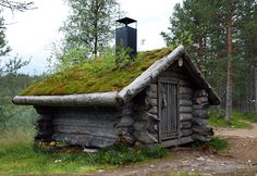 Lappish hut standing in the outskirts of Saariselkä, Finland by ~yonne Abandoned Houses, Old Houses, Tiny Houses, Alaska Cabin, Rural Retreats, Unusual Homes, Cabins And Cottages, Best Places To Live, Cabins In The Woods