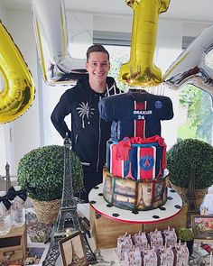Julian Draxler may have been linked with a move away from Paris Saint-Germain during the summer transfer window But the German seems happy enough with life in the French capital. 24th Birthday, Birthday Celebration, Julian Draxler, Paris Saint Germain Fc, Football Transfers, Dfb Team, Transfer Window, Paris Theme, Fifa World Cup