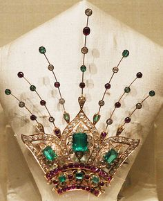 Taken at National Museum, New Delhi     See amazingly beautiful photos of ruby antique jewelry and more on my Jewelry Board @http://bit.ly/RJgSdp. Check out the latest Videos, News Tips & Trends in Ladies Fashion @ http://www.ladiesfashioninf