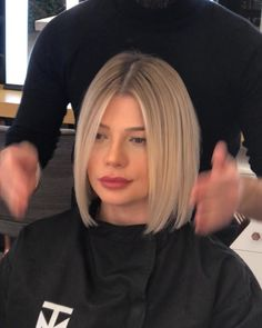 The Most Blonde 👱♀️ by Short Thin Hair, Short Hair Cuts, Short Blunt Haircut, Blunt Bob Haircuts, Medium Hair Styles, Short Hair Styles, Blonde Haircuts, Great Hair, Hair Day